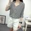 เสื้อเชิ้ตลายตรงสีดำขาว เด่นด้วยคอเสื้อทรง daimond รับกับแขนเสื้อ 4 ส่วน thumbnail 5