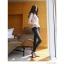 กางเกงยีนส์เข้ารูสีดำ ลงตัวสุดๆสำหรับให้สาวๆ ได้หากางเกงยีนส์ตัวเก่งเข้ารูปสวยๆ ใส่ลุยได้ทุกที่ thumbnail 8