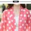 เสื้อคลุมผ้าชีฟองเนื้อนิ่ม เบาสบาย สกรีนลายจุดขนาดกำลังดี เอาไว้ปกป้องผิวสาวขาวๆ จาก UV thumbnail 30