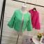 เสื้อคลุม สีสันจัดจ้าน มีให้เลือกเข้ากับชุดได้หลากสีไลายสไตล์ thumbnail 14