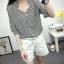 เสื้อเชิ้ตลายตรงสีดำขาว เด่นด้วยคอเสื้อทรง daimond รับกับแขนเสื้อ 4 ส่วน thumbnail 8
