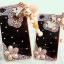 เคสไอโฟน 5/5s/SE เคสไอโฟนกรอบใสประดับเพชร พู่ห้อย Bear (ขอบเป็นซิลิโคน) (ภาพด้านขวา) thumbnail 1